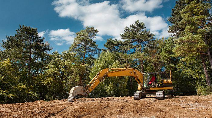 Beschaffenheit eines Grundstücks prüfen, Foto: Shotsstudio /fotolia.com