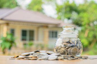 Wer ein Haus kauft, muss die Immobilienfinanzierung sorgfältig planen. Foto: singkham /fotolia.com