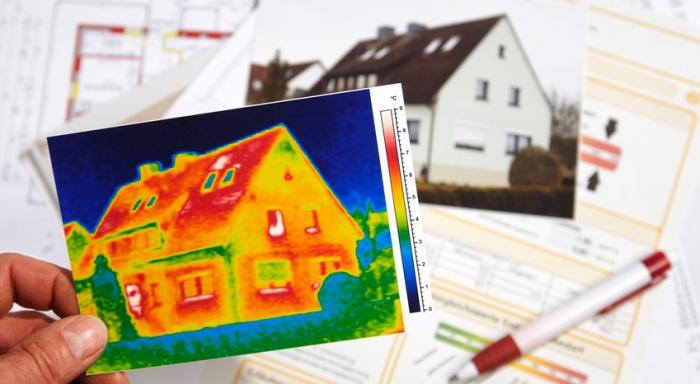 Energieausweis für die Hausvermietung. Foto: Ingo Bartussek / fotolia.com
